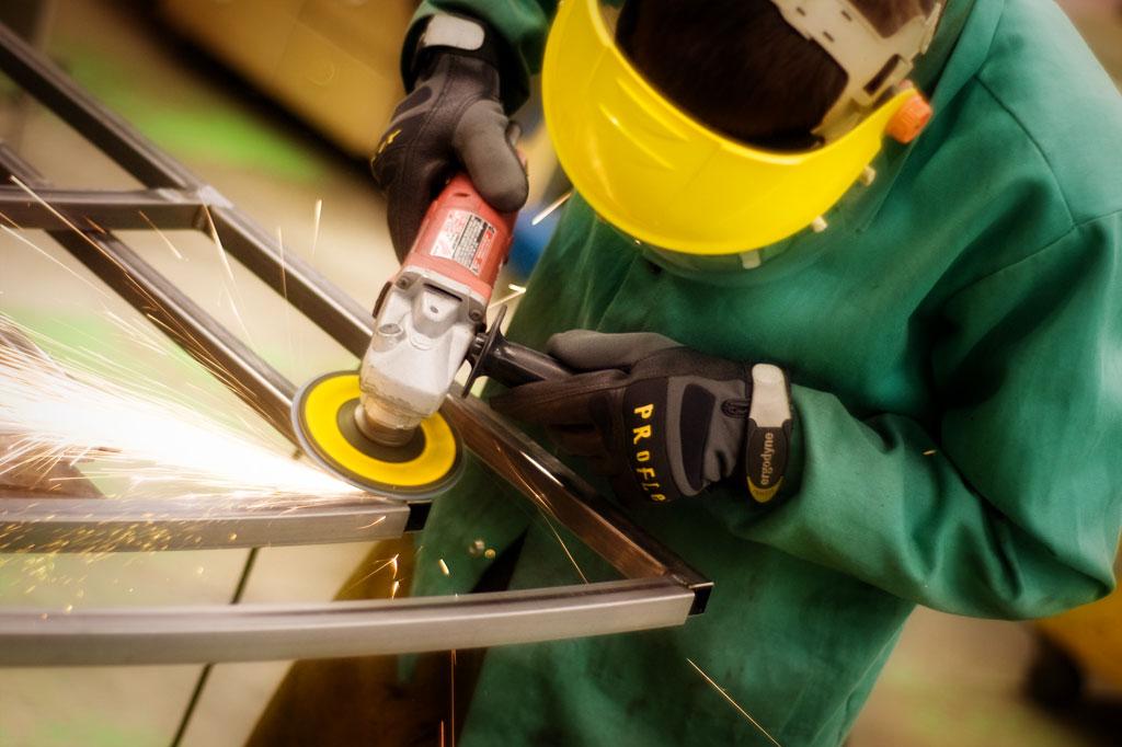 greg-grinding-steel-work-metalwork-welding